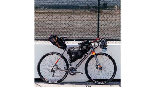 Sacoche de guidon bikepacking Blackburn Design Outpost